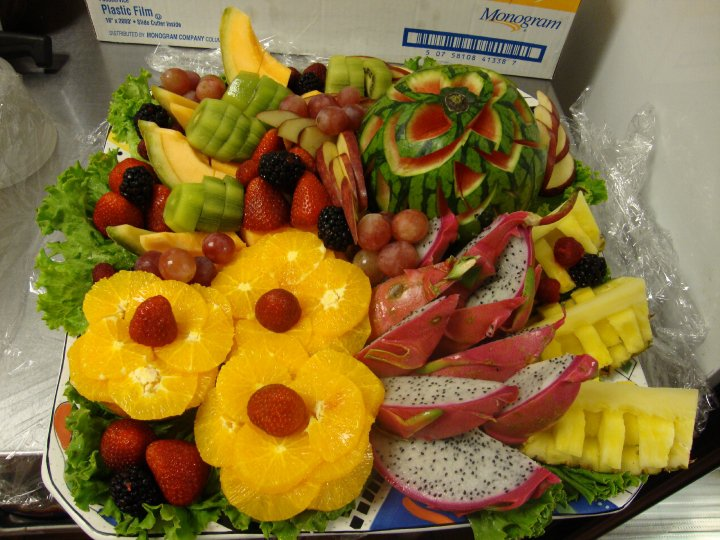 dessert/fruit plate for party